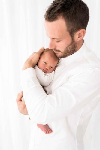 Newborn-Neugeboren-baby-babybauch-2-2