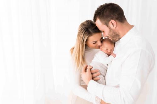 Newborn-Neugeboren-baby-babybauch-3-2