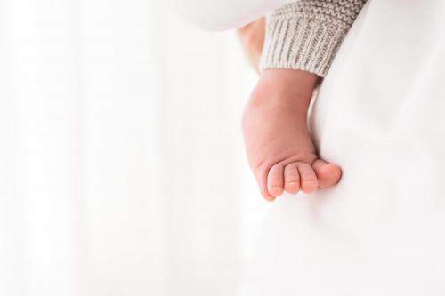 Newborn-Neugeboren-baby-babybauch-4-2
