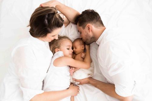 Newborn-Neugeboren-baby-babybauch-4