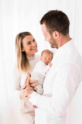 Newborn-Neugeboren-baby-babybauch-6-2